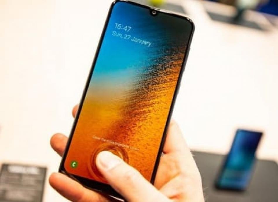 هاتف  سامسونج Galaxy A50 يحصل على تحديث يحسن من شحن البطارية